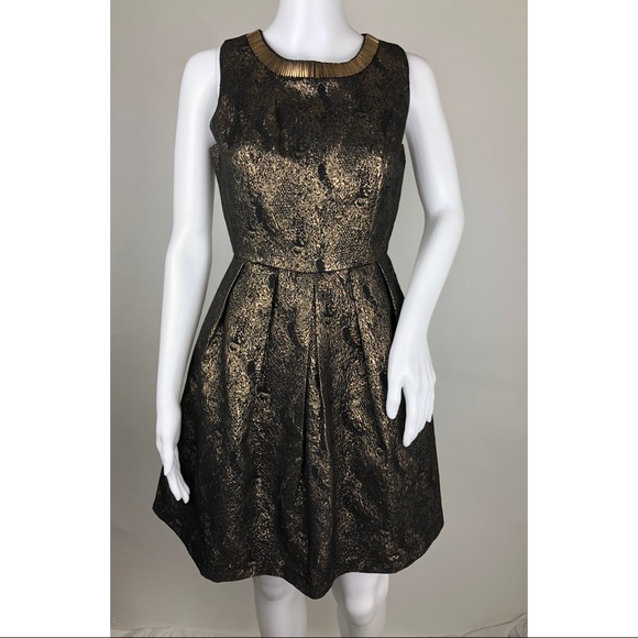 Romeo & Juliet Couture Dresses & Skirts - Romeo + Juliet Metallic Cocktail Dress Size S